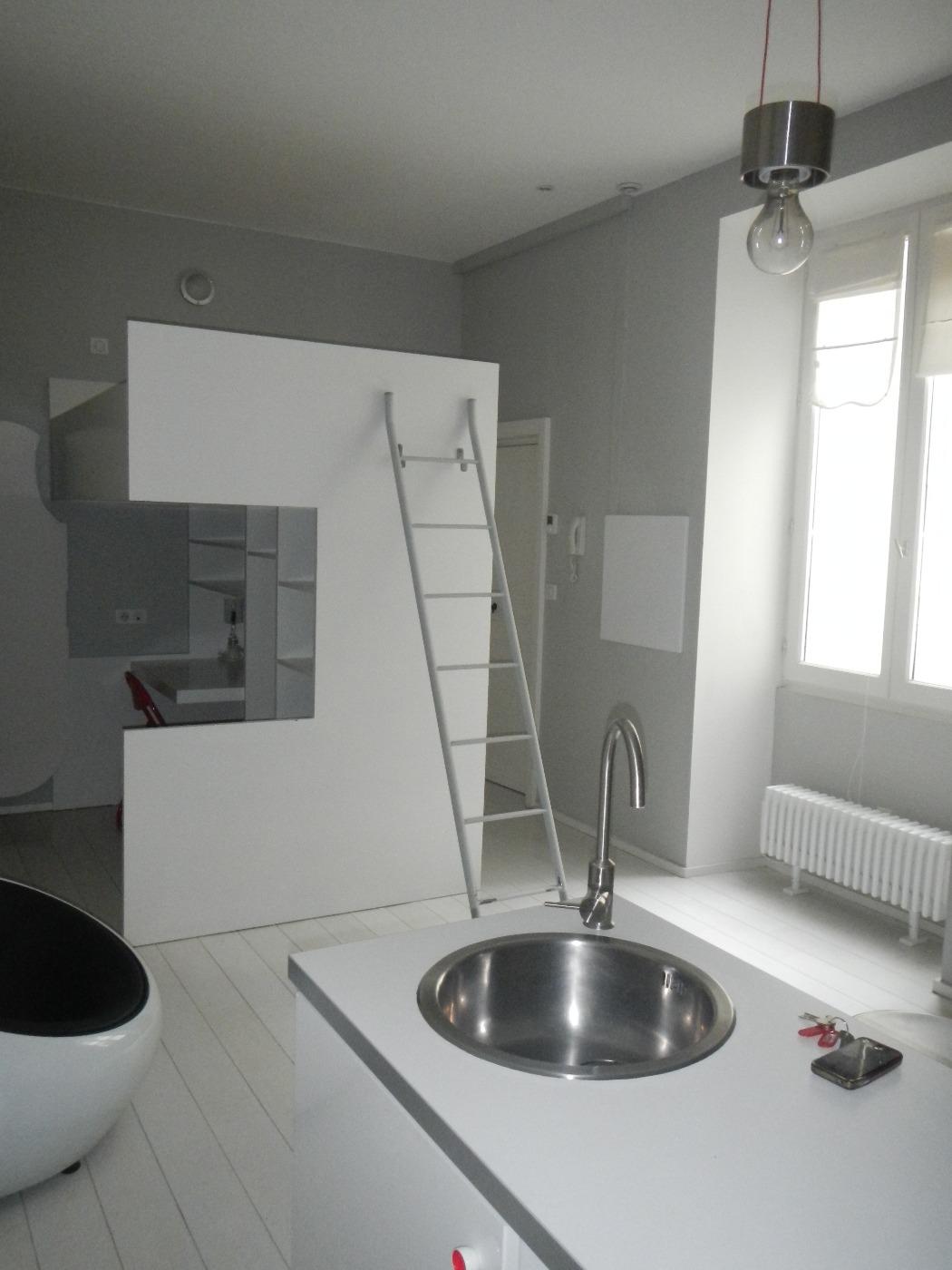 vente aubenas centre studio meuble r gie delas. Black Bedroom Furniture Sets. Home Design Ideas